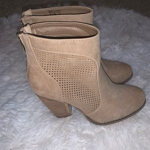 Call it spring tan booties size 6.5